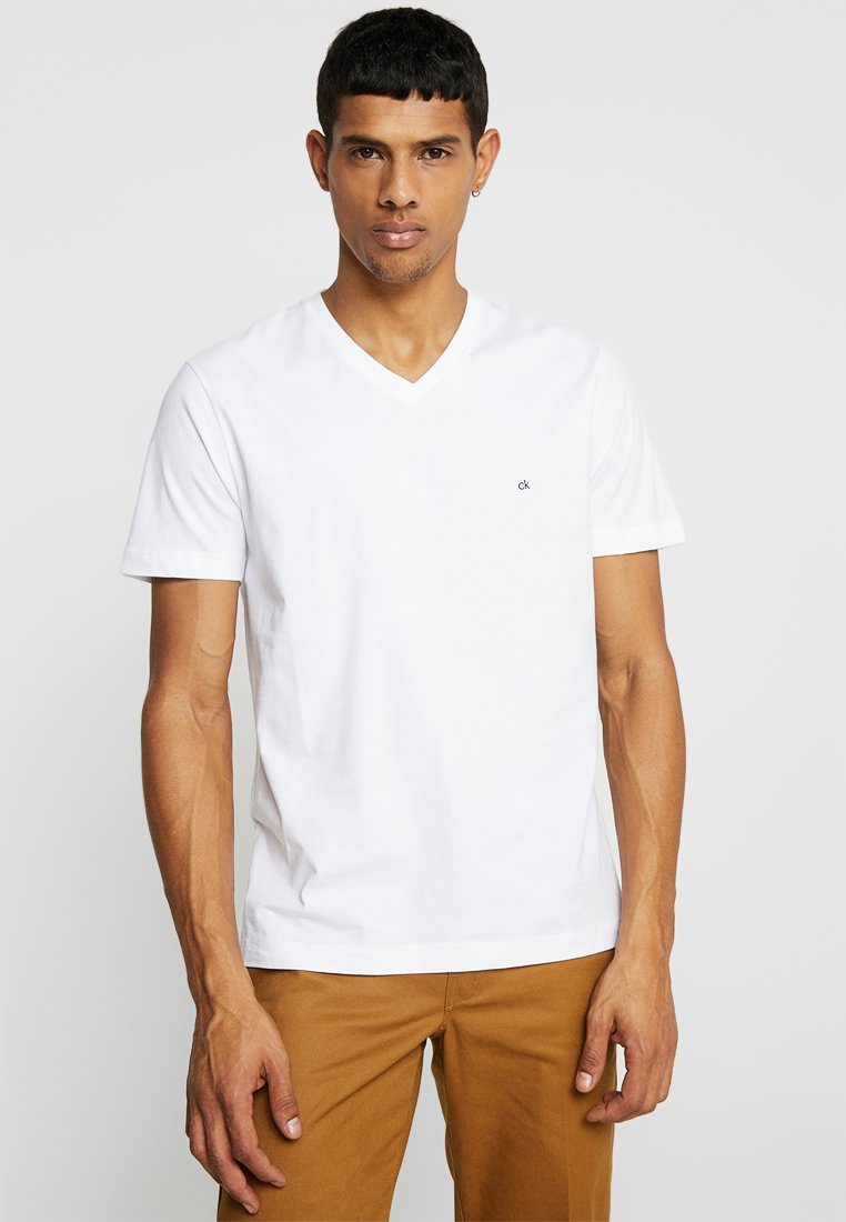Calvin Klein - V-NECK CHEST LOGO - T-shirt - bas - white