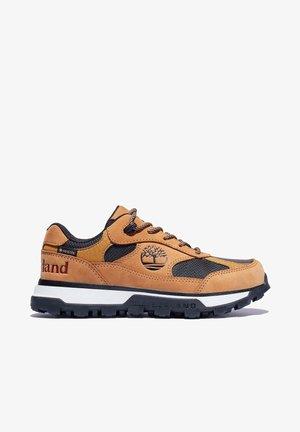 TRAIL TREKKER LOW GTX - Sports shoes - wheat