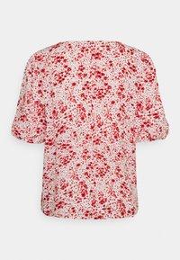 JDY - JDYGAIA PUFF  - Camiseta estampada - cloud dancer/mars red - 6