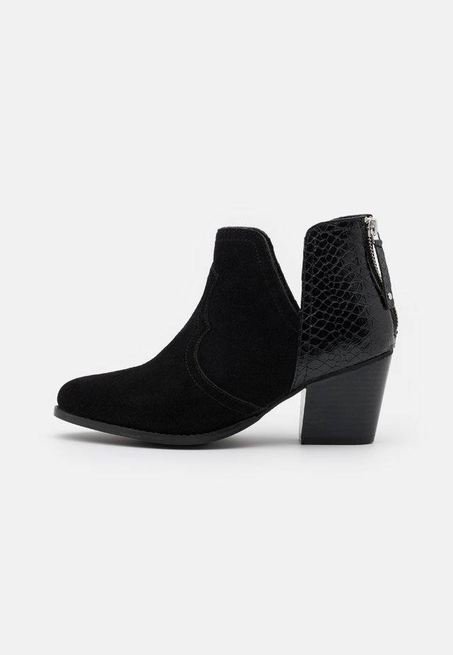 WIDE FIT CLOUDY - Ankle boot - black