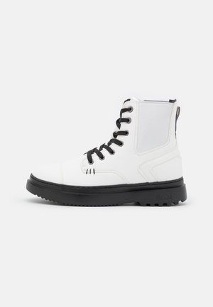 CONNOR WIND - Lace-up ankle boots - offwhite