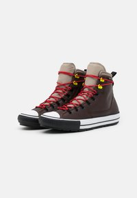 Converse - CHUCK TAYLOR ALL STAR UNISEX - Zapatillas altas - dark root/malted/university red - 1
