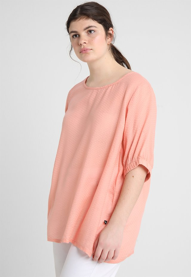 ALEXA DOBBY BLOUSE - Bluser - rose tan