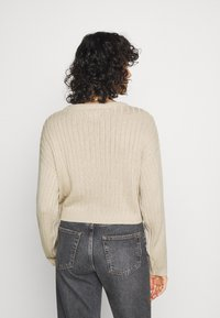 Even&Odd - CROPPED LOOSE CABLE JUMPER - Svetr - sand - 2