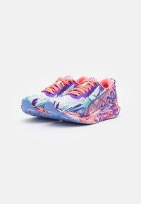 ASICS - NOOSA TRI 13 - Tekmovalni tekaški čevlji - white/periwinkle blue - 1