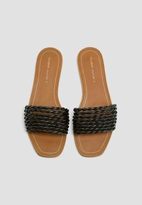PULL&BEAR - Sandály do bazénu - black - 3