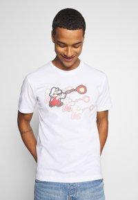 Champion Rochester - CREWNECK NINTENDO - Print T-shirt - white - 0