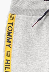 Tommy Hilfiger - BOYS  - Tracksuit bottoms - grey - 3