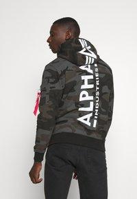 Alpha Industries - BACK HOODY CAMO - Felpa con cappuccio - black - 2