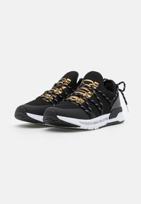 Versace Jeans Couture - DYNAMIC - Trainers - nero - 1