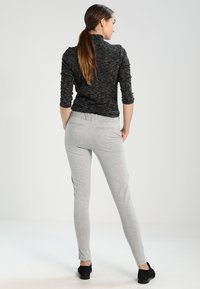 Kaffe - JILLIAN SOFIE  - Trousers - light grey melange - 2