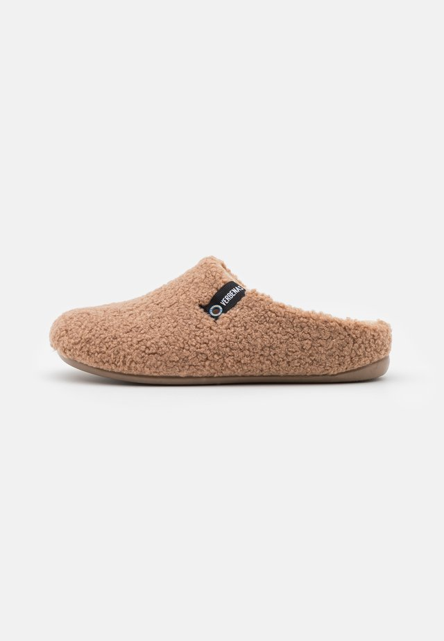 Slippers - caramel
