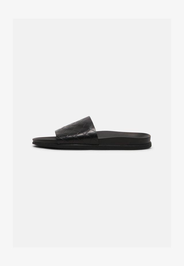 KELTENVELD - Pantofle - black
