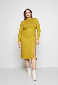 Zign Curvy - Shift dress - oliv - 0