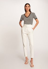 Morgan - Print T-shirt - off-white - 1