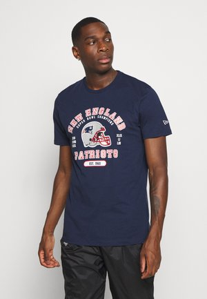 NFL NEW ENGLAND PATRIOTS HELMET AND WORDMARK TEE - Club wear - navy