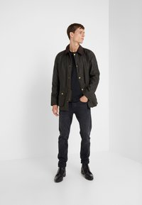 Barbour - ASHBY WAX JACKET - Leichte Jacke - olive - 1