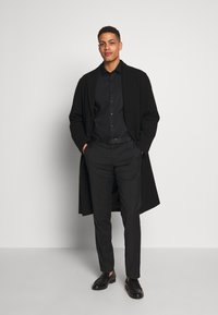 OLYMP - OLYMP NO.6 SUPER SLIM FIT  - Kostymskjorta - schwarz - 1