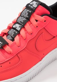Nike Sportswear - AIR FORCE 1 LV8 3 - Trainers - laser crimson/black/white - 2