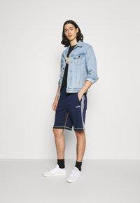 adidas Originals - Shorts - collegiate navy - 1