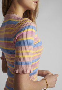 Nümph - Print T-shirt - peach skin - 2