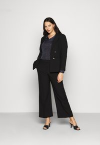 CAPSULE by Simply Be - ESSENTIAL WIDE LEG TROUSER - Kalhoty - black - 1
