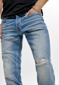 ONLY - ONMGREG - Slim fit jeans - light blue denim - 3