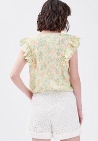 Cache Cache - Camiseta estampada - jaune pastel - 2