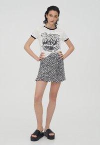 PULL&BEAR - Áčková sukně - black - 1