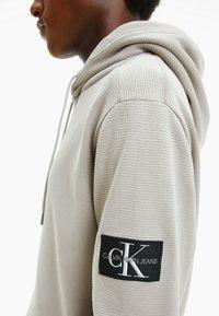 Calvin Klein Jeans - Sweatshirt - string - 3