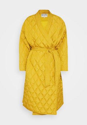 QUILTED KIMONO COAT - Classic coat - mustard