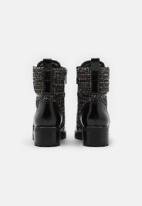 MICHAEL Michael Kors - BRONTE BOOT - Lace-up ankle boots - black/natural - 3