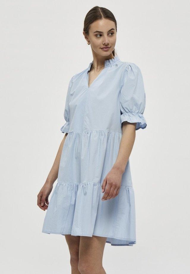 Vapaa-ajan mekko - cashmere blue