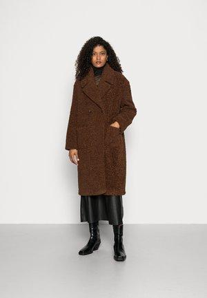COAT - Vinterkåpe / -frakk - chocolate brown