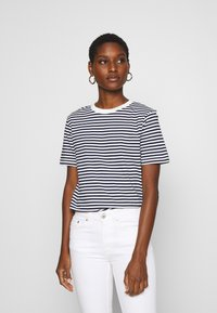 Selected Femme - SLFMY PERFECT TEE BOX CUT - Print T-shirt - maritime blue/snow white - 0