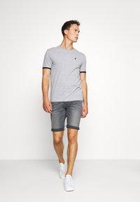 TOM TAILOR - JOSH SUPERSTRETCH - Denim shorts - grey denim - 1