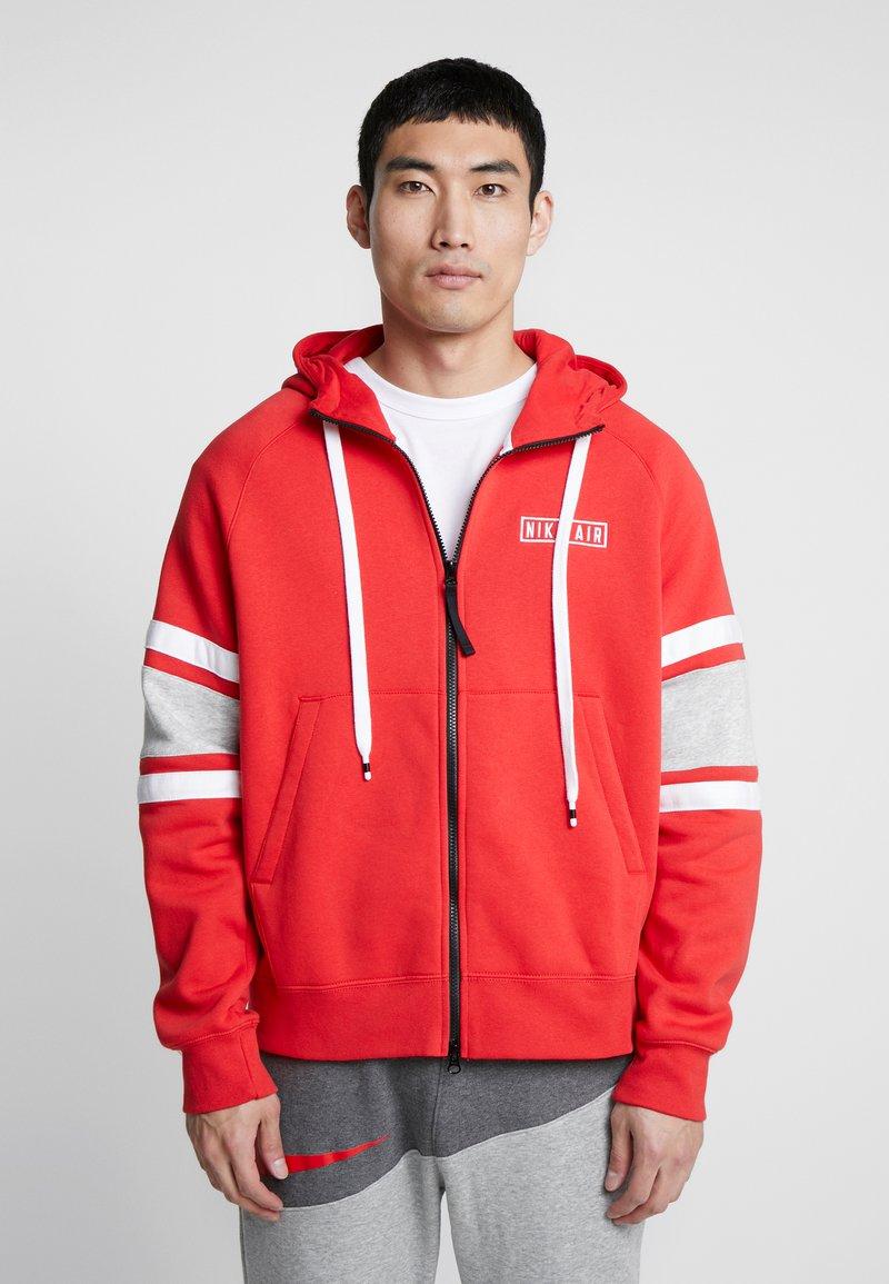 Nike Sportswear - HOODIE - Sudadera con cremallera - university red/white/black