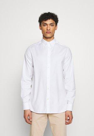 DANIEL BD-STRETCH OXFORD - Skjorte - white