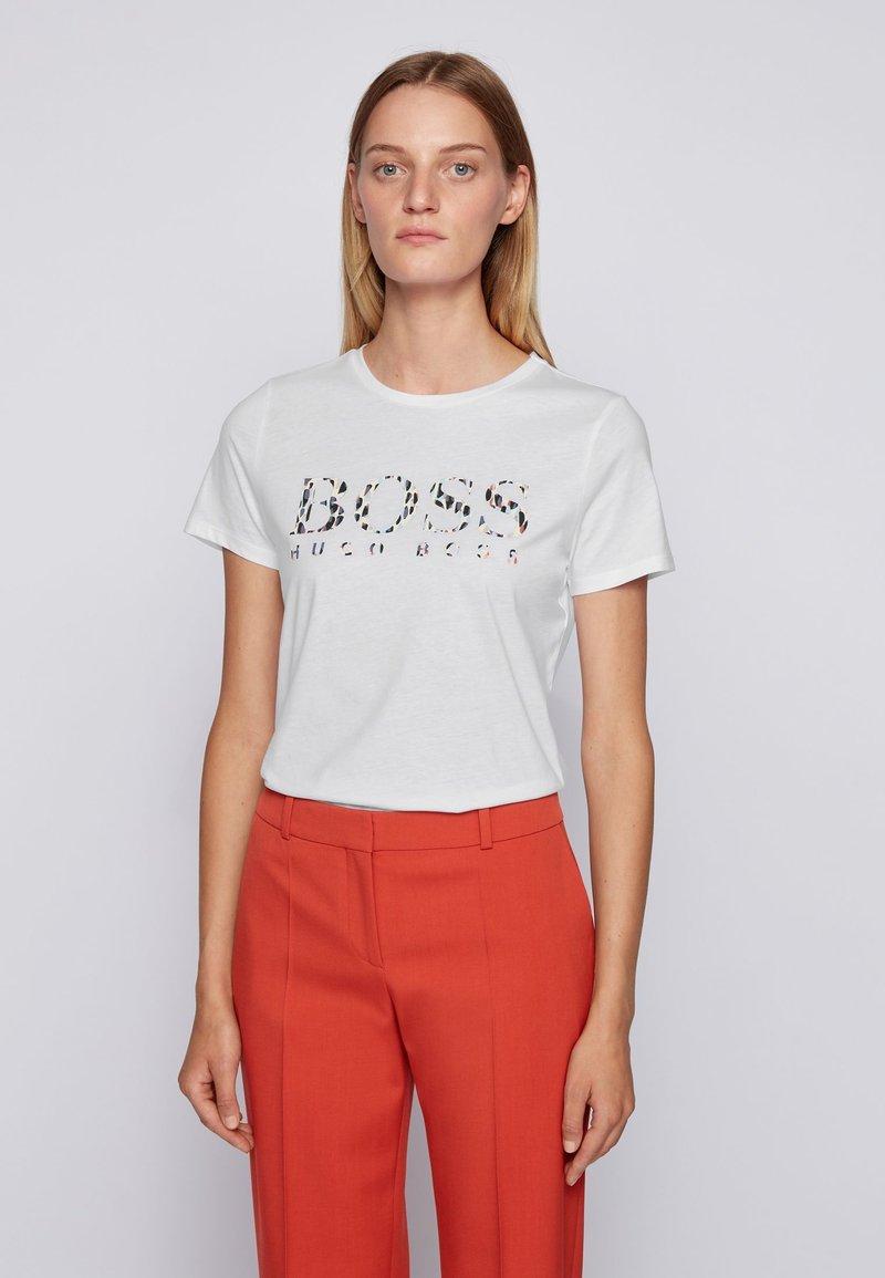 BOSS - C_ELOGO_ECOM - T-Shirt print - white