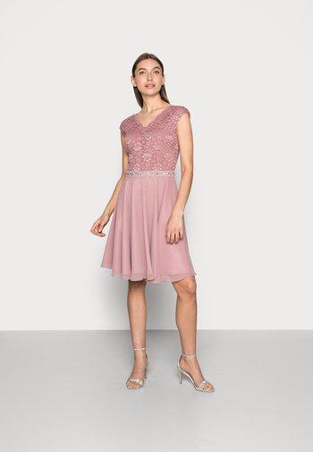 Cocktail dress / Party dress - pale lipstick