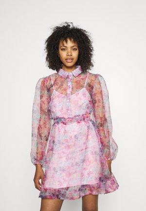 SHIRT DRESS FLORAL - Shirt dress - pink