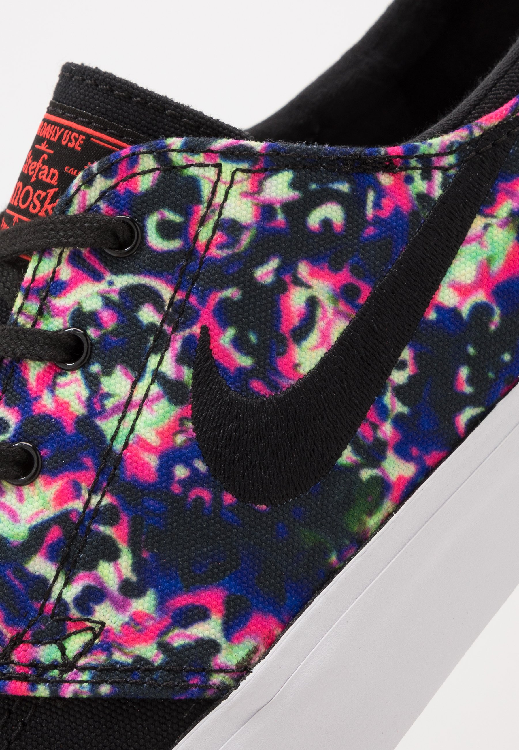 Nike SB ZOOM JANOSKI - Joggesko - black/laser crimson