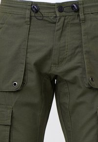INDICODE JEANS - Cargo trousers - army - 6