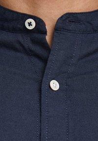 Jack & Jones PREMIUM - JJESUMMER  - Camicia - navy blazer - 5