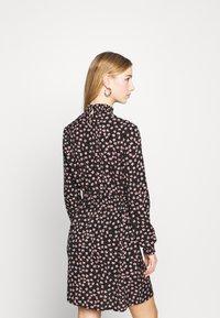 Pieces - PCDALLAH DRESS - Shirt dress - black / light pink - 2