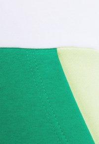 Jordan - JUMPMAN AIR - Felpa con cappuccio - white/stadium green - 3