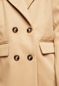 Fashion Union Petite - AIMEE - Short coat - camel - 5