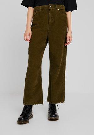 NINA WIDE LEG - Pantalon classique - army