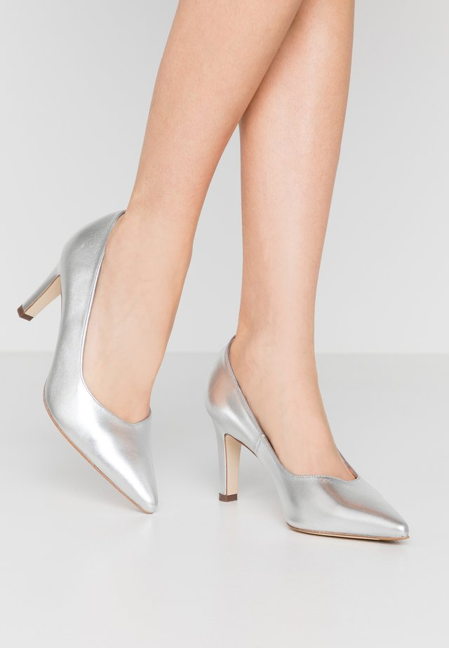 WIDE FIT TELSE - Classic heels - silber