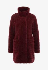 Bergans - OSLO LOOSE FIT - Zimní kabát - zinfandel red melange - 6